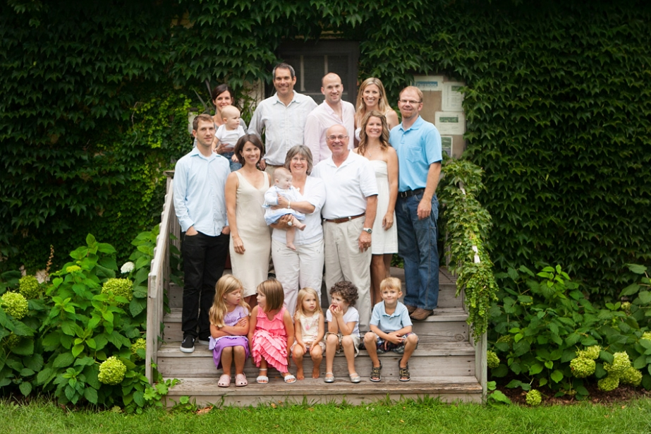 minneapolis outdoor family portrait